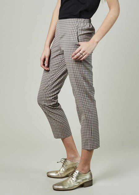 6397 Cropped Pull-On Trouser