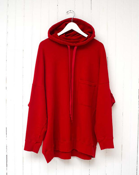 THE CHEST POCKET HOODED SWEATSHIRT