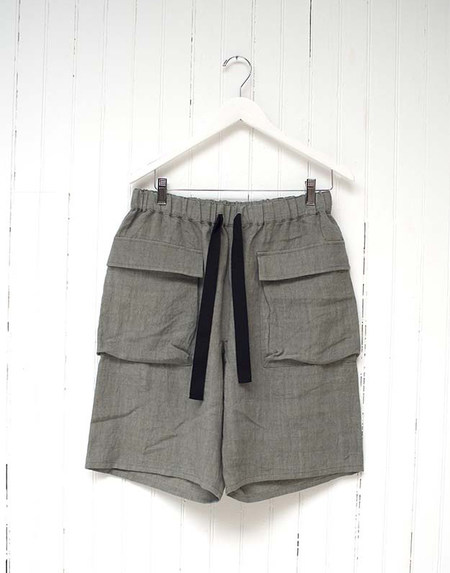 THE PATCH POCKET LINEN SHORTS
