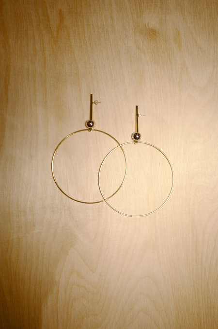Alynne Lavigne Trapped Hoops