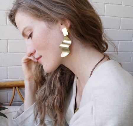 Sunday Feel Swerve Earrings