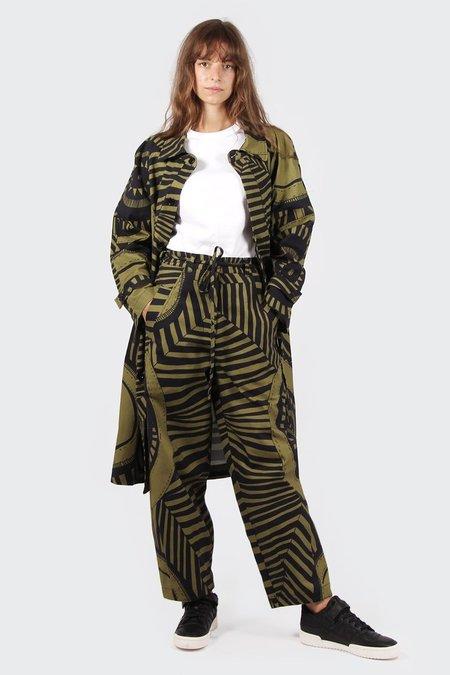 VERNER X Lisa Waup Trench Coat - black/green