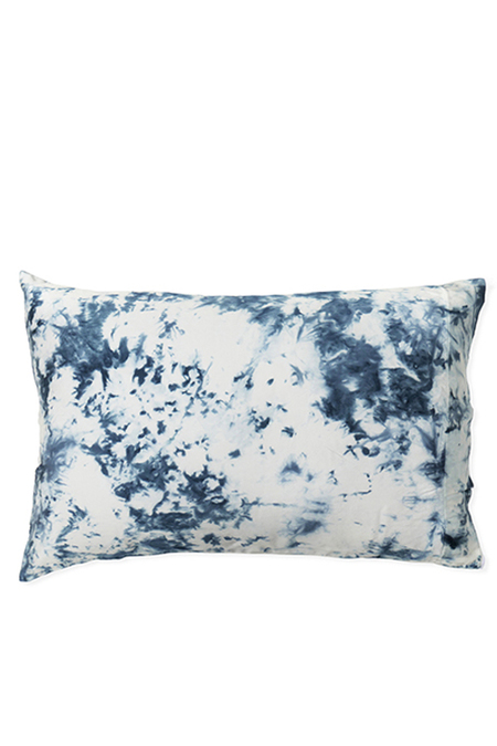 UPSTATE Silk Pillow In Splash
