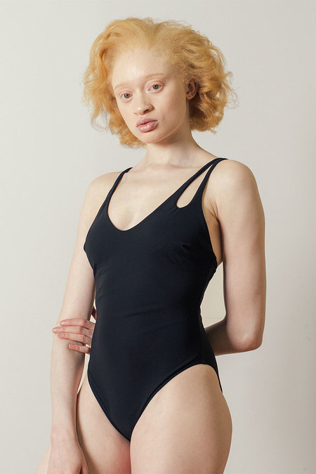 Araks Jamie One Piece in Black