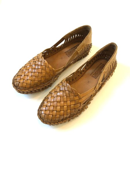 Mohinders Woven Flat