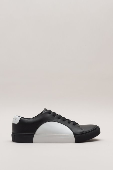 They New York Circle Low Sneaker