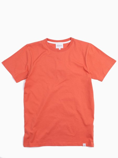 Norse Projects Niels Standard SS in Burned Red