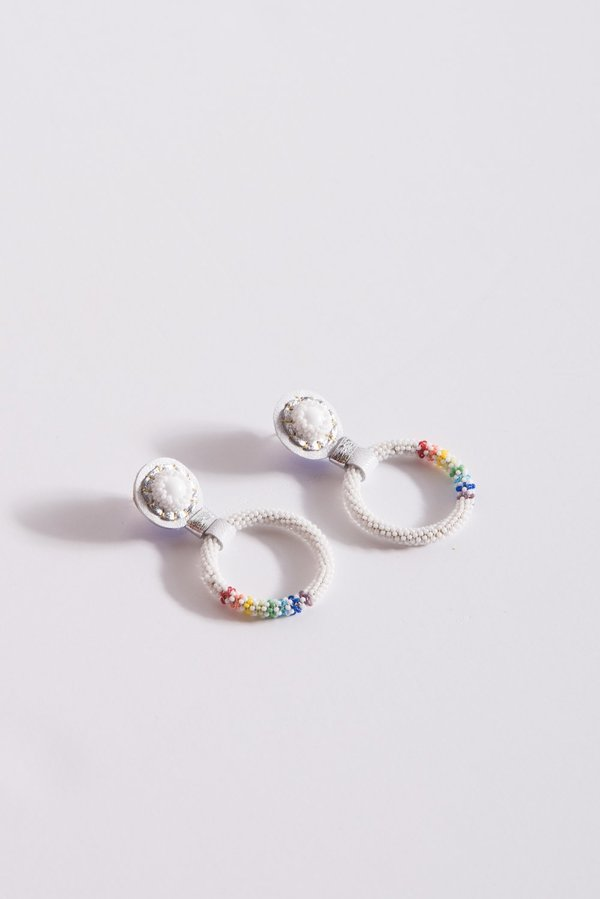 Robin Mollicone Small Beaded Hoop Earring - White Howlite/Rainbow