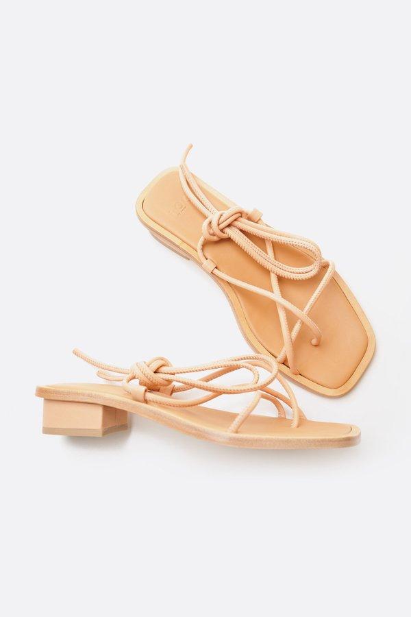 LOQ Nude Ara Sandal