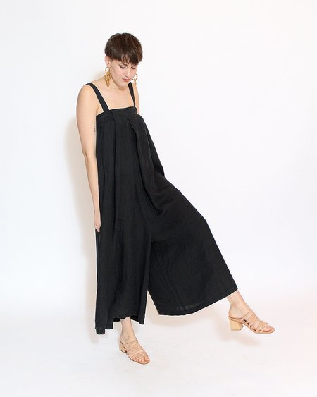 Wide Pleated Jumper in Black