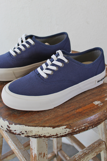 seavees lace up sneakers