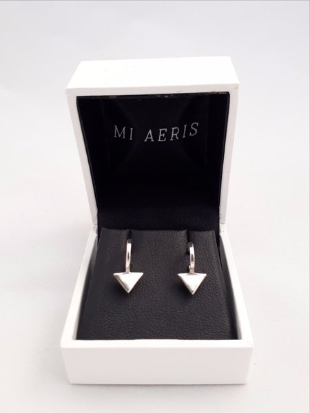 Mi Aeris Arrow Earrings - SILVER