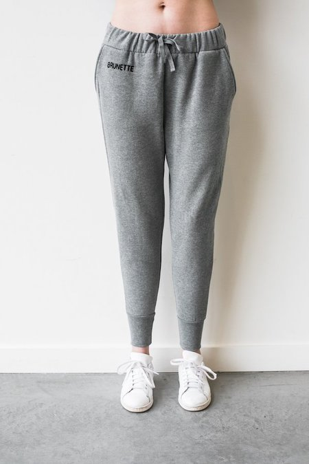 BRUNETTE THE LABEL CHAIN STITCH MIDDLE SISTER JOGGER - Heather Gray