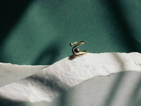 Luiny Orbit Ring