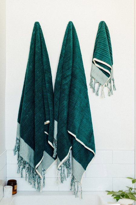 Weft End Bath Towel - Deep Sea Green