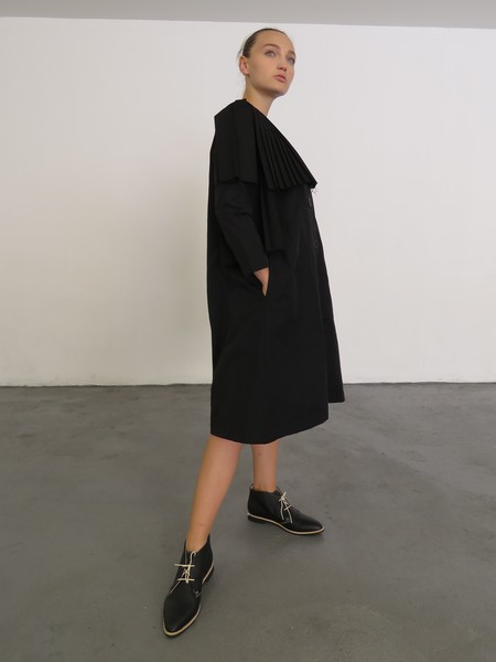 NANCY STELLA SOTO GABARDINE DRESS - BLACK