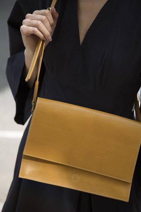 anna walker london the faraday crossbody bag - golden yellow