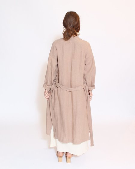 7115 by Szeki Artist Linen Coat - Clay