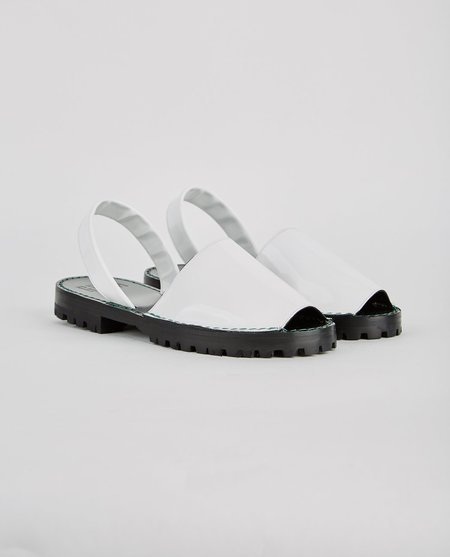 Goya Alabaster Patent Slide - White