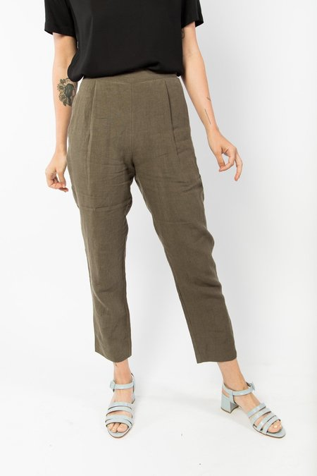 7115 by Szeki Signature Relaxed Tapering Trouser - Moss