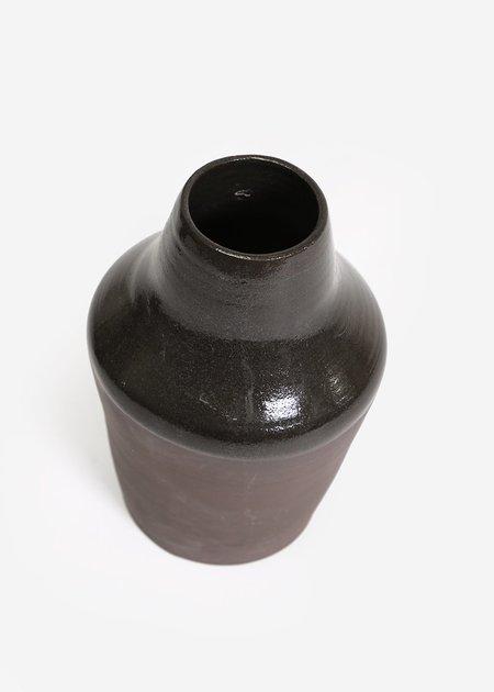 Stranger Studio Sable Vase 02
