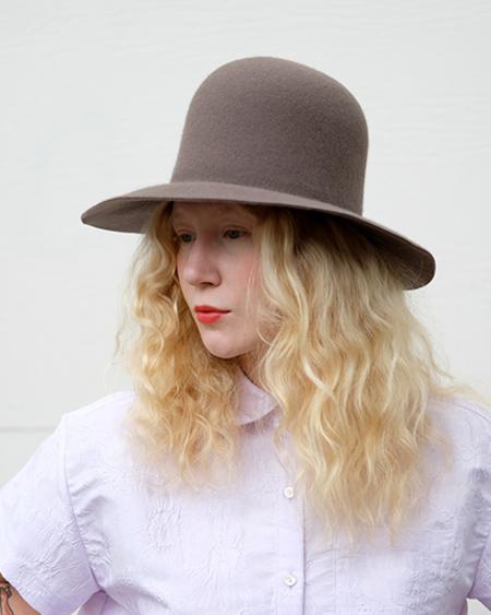 Brookes Boswell Wool Felt Benning - Mink