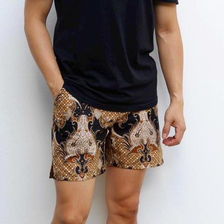 Footage Straits Shorts - Black/Gold Pineapples