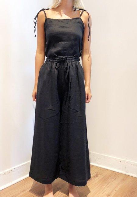 Nicole Kwon Concept Store Linen Top - black
