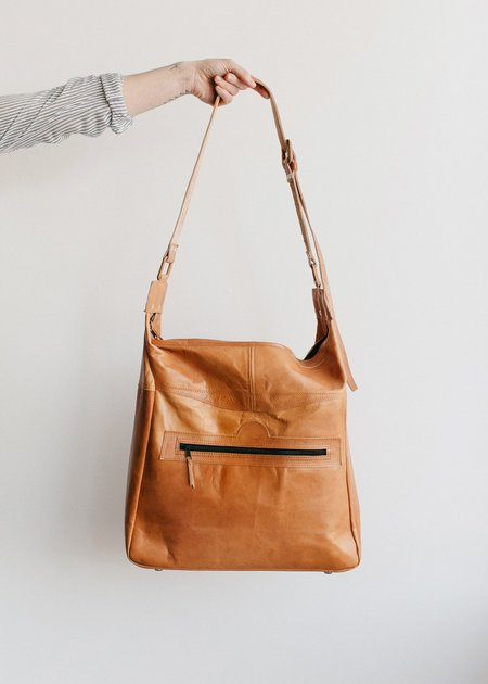 vintage Territory Leather Carry All - caramel