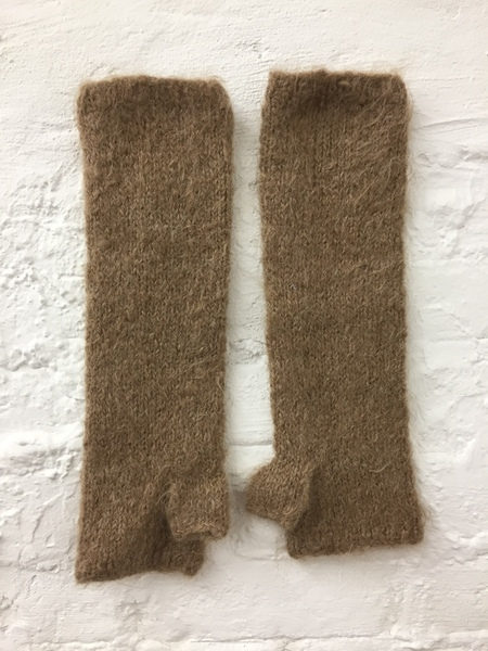 A Détacher Fingerless Gloves in Honey