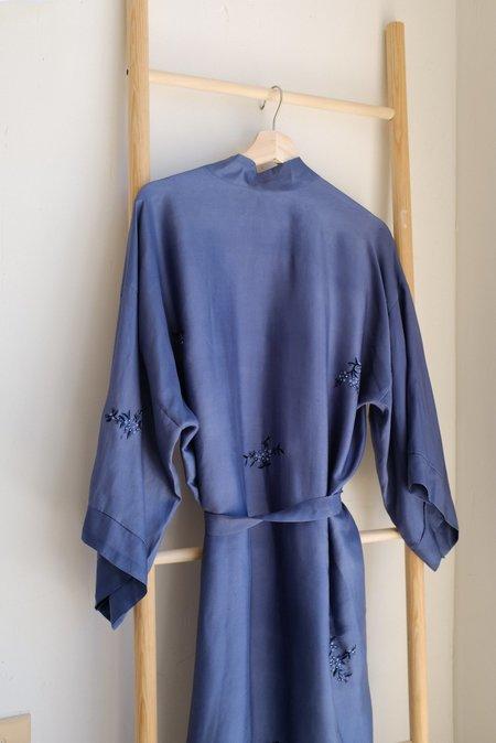 VINTAGE HAND BEADED SILK JAPANESE KIMONO - Blue