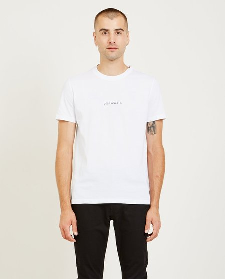 FUTUR PLEASE WAIT TEE - WHITE