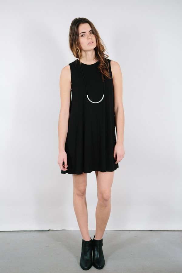 BLQ Basiq Sleeveless Shift Dress