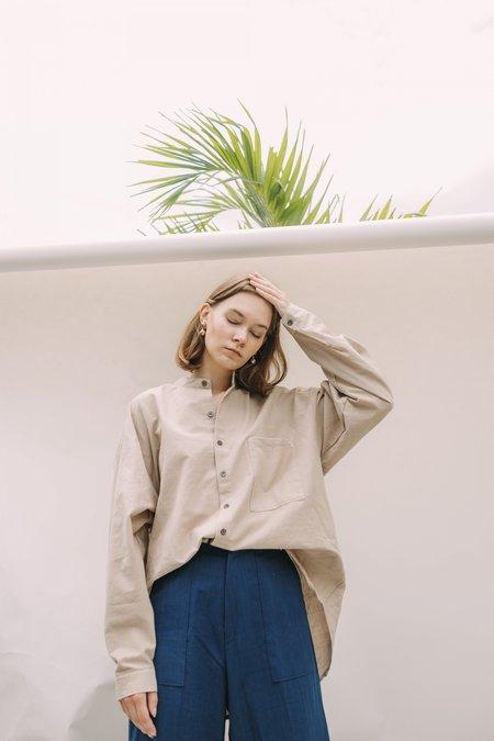 Unisex Seeker x Retriever No.2 Poet Shirt - Sandstone