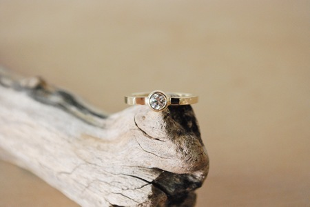 M. Hisae Misao Ring - 14k Gold with White Diamond