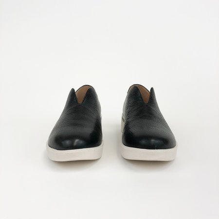 Kenneth Cole Hanna Sneaker - BLACK