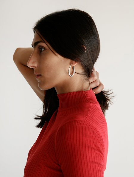 Une Heures Short Sleeve Mock Neck Sweater - Rouge