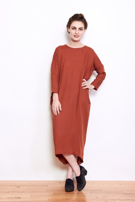 Black Crane Pleated Cocoon Dress - Brick