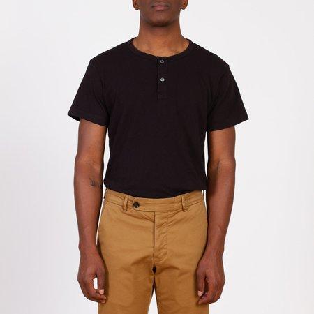 Unis Dan  T-Shirt - Black
