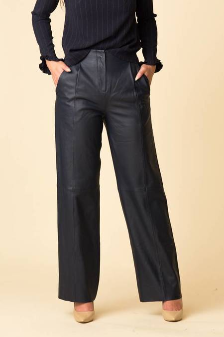 VEDA Bess Leather Pant - Navy