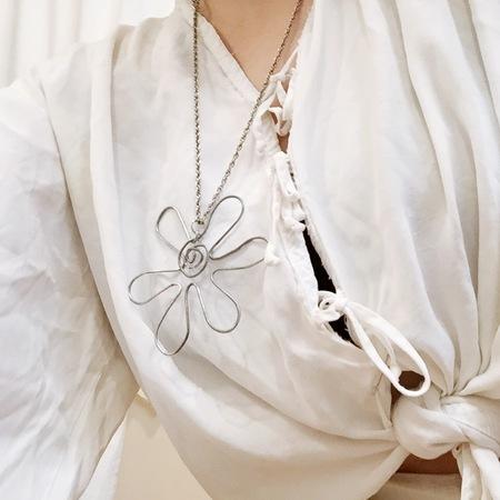 Laurs Kemp Flower Pendant Necklace No. 1 - SILVER