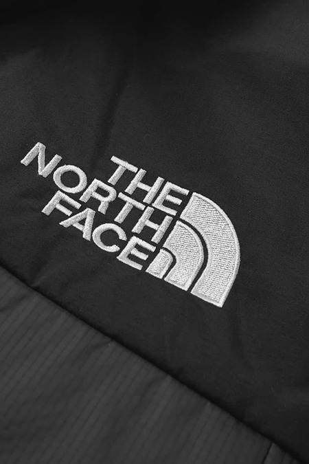 THE NORTH FACE HIMALAYAN LIGHT SYNTH HOOD - BLACK