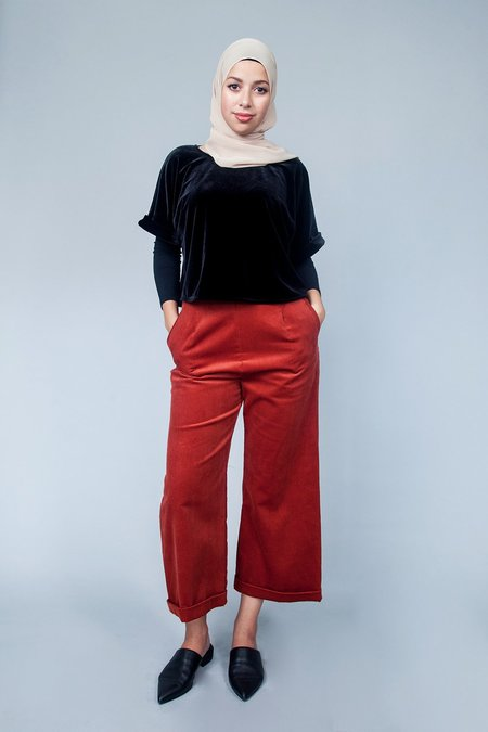 Sara Duke YFS Crop Top - Black Velvet