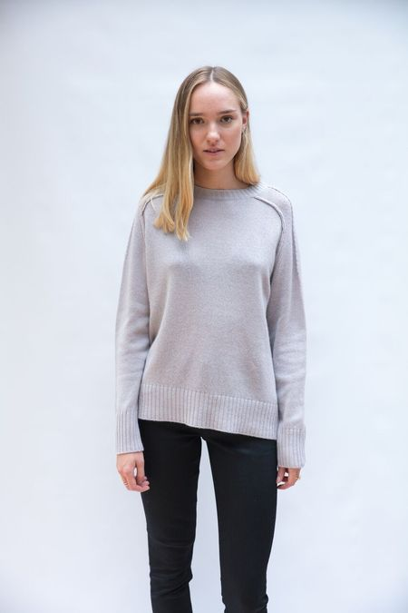Allude Round Neck Sweater - Pale Rose