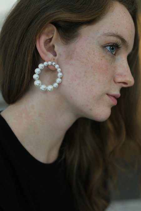 Mirit Weinstock Classic Pearl Hoops