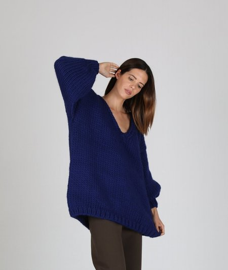 I love Mr. Mittens Oversized V Neck - Navy