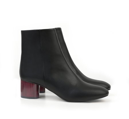 Sydney Brown Low Ankle Boot - Black/Wine Heel