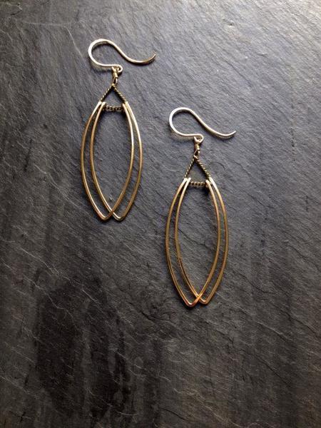 Loop Petal Earrings - Gold