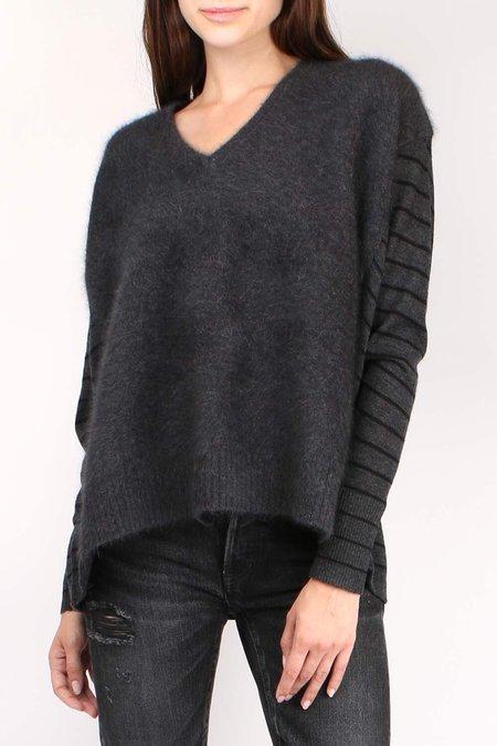C.T. plage Striped V-Neck Knit - Grey/Black