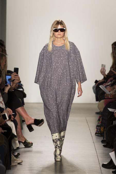 A Détacher Dyta Dress in Grey Haze Print
